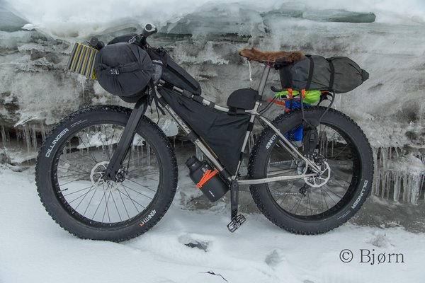 The Carver O'Beast fat-bike is an ellegant and well made bike, perfect for long Alaskan expeditions.