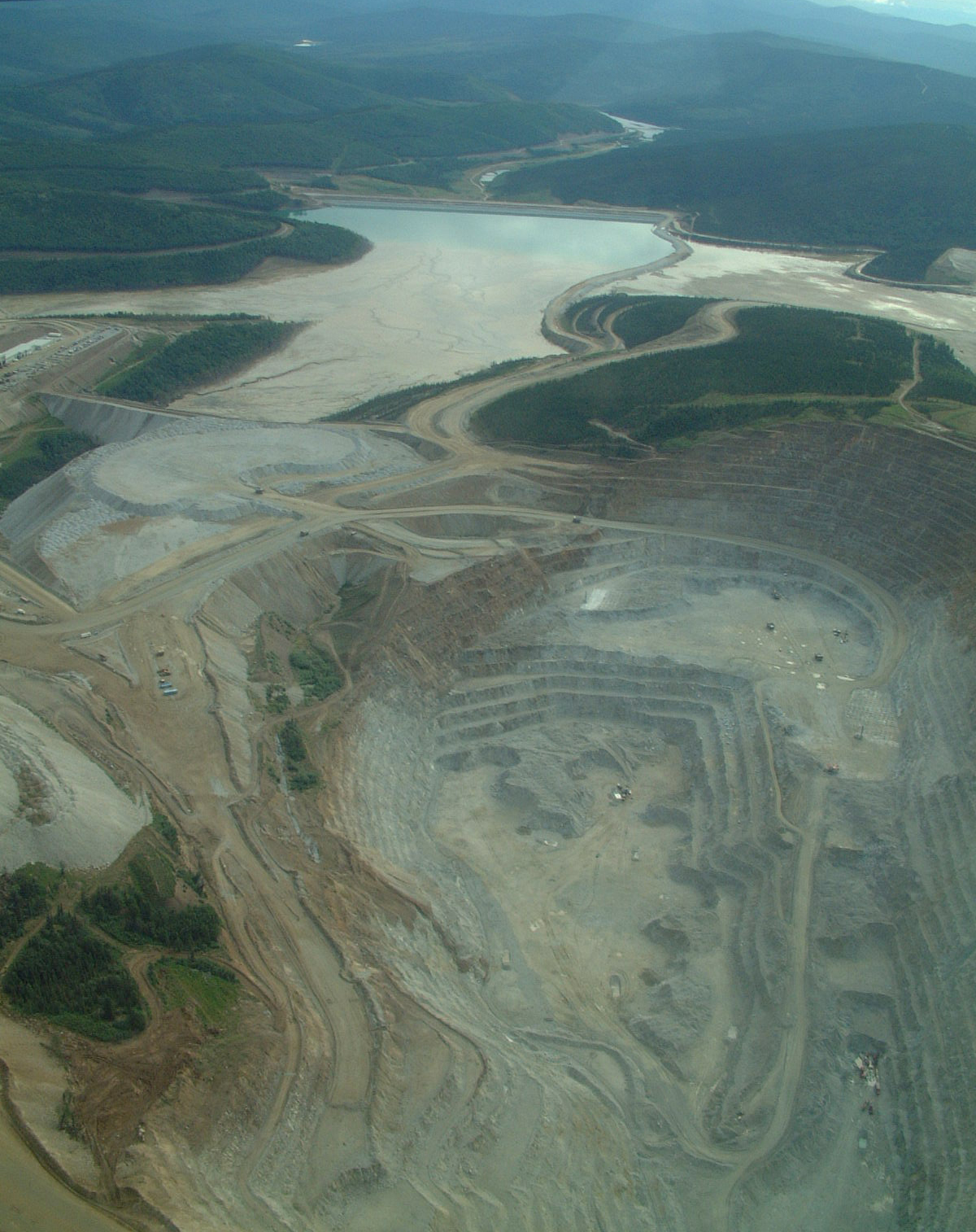 an essay on gold mining techniques Since adit mining take place horizontally, air current could easily enter the mine essay on mining and pollution mining and pollution in 1969 the maricopper mine corporation began mining for copper, silver and gold at the mount tapian ore deposits.