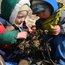 Sharing popweed (Fucus), also known as bladderwrack.