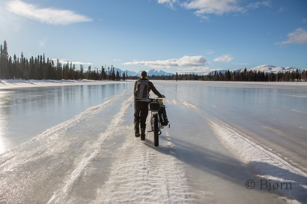 Sloppy and wet trail conditions greeted the travelers for the first few days of their fat-bike expedition to the arctic.