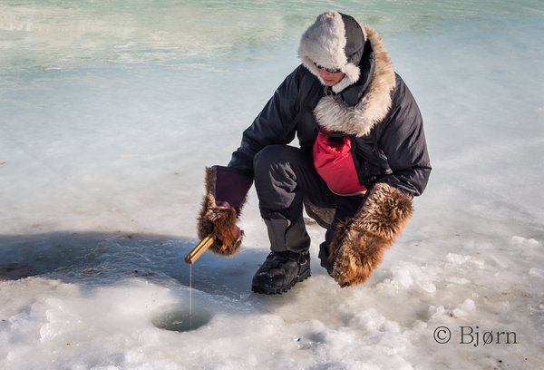 While in Unalakleet, Bjørn and Kim met local ice fishermen and were invited to join in.